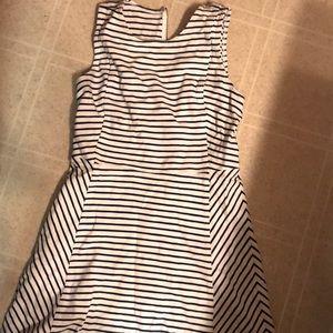 Super cute J Crew striped dress 👗